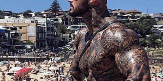 Soldatul musulman , popular pe Instagram dupa ce si-a tatuat intregul corp