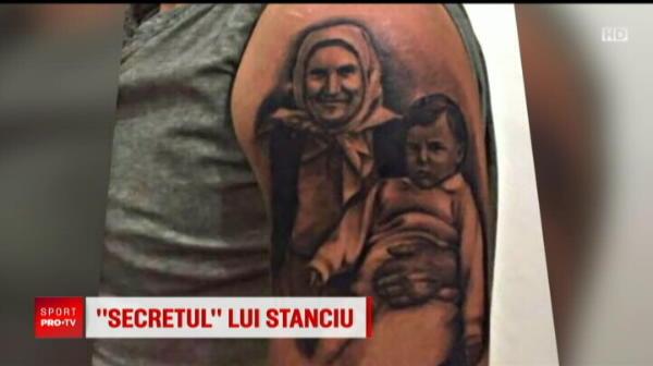 """Fotbalistul roman care si-a tatuat BUNICA pe brat: """"E o semnificatie importanta pentru mine!"""" FOTO"""