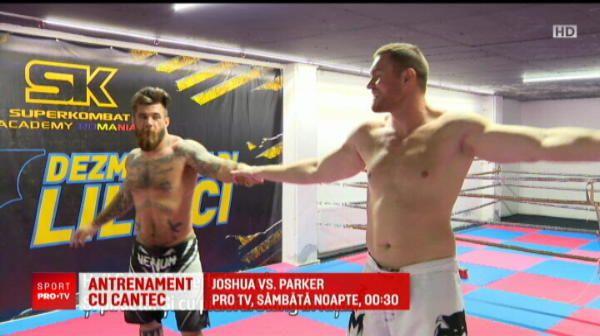 Balet, nu box :) Uriasii din Superkombat si-au aratat latura sensibila in noul videoclip al Alexandrei Ungureanu