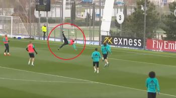 OMUL FOARFECA! Ronaldo a dat inca un gol fabulos, dupa foarfeca din meciul cu Juve; colegii l-au aplaudat pentru executie: VIDEO