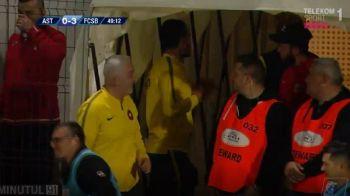 """Dica a comis-o din nou :) L-a schimbat iar la pauza pe Budescu: """"Am trimis secundul sa vorbeasca cu el"""" Reactia mijlocasului Stelei"""