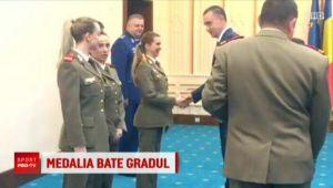 Sandra Izbasa si Alina Dumitru, avansate in grad de Ministrul Apararii. Fostele campioane olimpice, in uniforma de armata