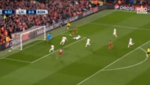 VIDEO | Faza rar intalnita in UEFA Champions League! Liverpool putea intra cu 3-0 la pauza pentru ca arbitrul... si-a stricat obiectul muncii! Hacker i l-a reparat :)