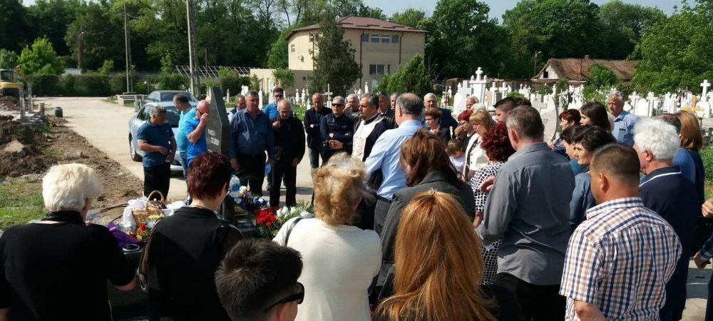 FOTO: Legendele Craiovei Maxima au fost prezente la parastasul de 40 de zile in memoria lui Nicolae Tilihoi