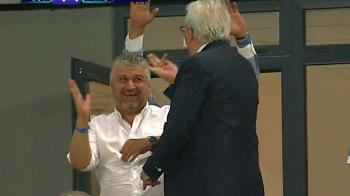 """Explicatia GENIALA a lui Marcel Popescu pentru degetul mijlociu aratat in loja: """"In Oltenia se fac astfel de gesturi"""" :)))))"""