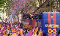 SUPER PARADA de titlu a Barcelonei! Sute de mii de oameni pe strazi pentru Messi, Suarez si Iniesta! VIDEO
