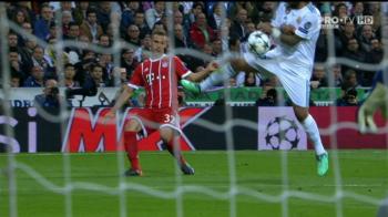 Un nou SCANDAL pe Bernabeu! Jucatorii lui Bayern au cerut penalty dupa HENTUL lui Marcelo in careu! Vezi AICI faza