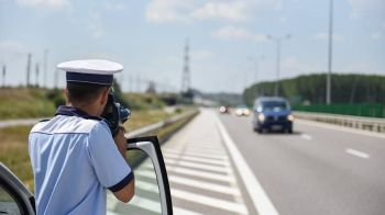"""""""Era intrecere pe autostrada?"""" Viteza SOCANTA cu care a fost surprins un sofer din Romania!"""