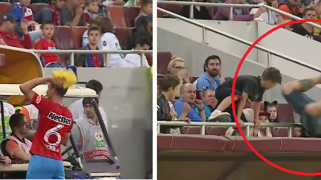 VIDEO Momentul de tot rasul care nu s-a vazut la TV: un suporter  si-a rupt gatul  incercand sa prinda tricoul lui Nedelcu
