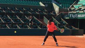 Serena Williams revine in forta! FOTO   Fostul lider mondial, primul antrenament pe terenul central de la Roland Garros