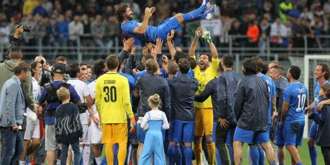 Noaptea Maestrului!  Meciul de adio al lui Pirlo a avut 14 goluri si jucatori URIASI din istoria fotbalului! VIDEO