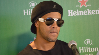 Dezvaluiri INCREDIBILE: Ronaldinho se casatoreste cu DOUA FEMEI in acelasi timp! Secretele relatiei
