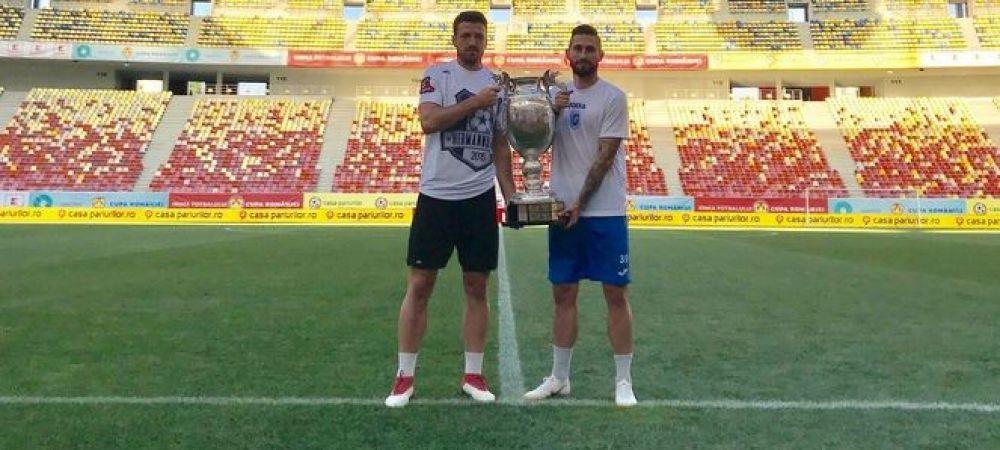 "Capitanii s-au fotografiat cu trofeul! Mangia a refuzat sa atinga Cupa: ""Pun mana pe ea doar cand o ridic deasupra capului!"" Craiova - Hermannstadt, duminica, ora 21:00, la ProX"