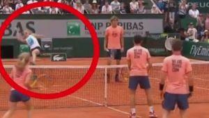 Roland Garros 2018 | Simona Halep, la un pas sa se accidenteze inainte de debutul la Roland Garros! Halep a jucat un meci demonstrativ