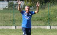 Cel mai BATRAN fotbalist din lume are 71 de ani! A dat gol la 3 minute dupa ce a intrat pe teren! VIDEO