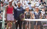 Fotografia turneului! Serena si Venus Williams, la fileu cu japonezele Aoyama si Kato. Cine a castigat meciul :)
