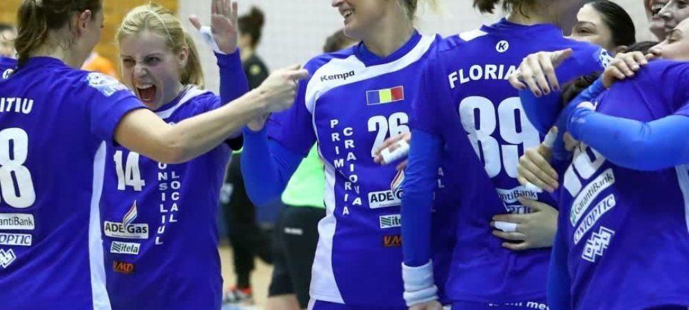 """9 jucatoare ale SCM Craiova au fost declarate """"Cetatean de Onoare""""! Nu toate fetele din lot si nu toti antrenorii au primit recompense din partea Primariei"""