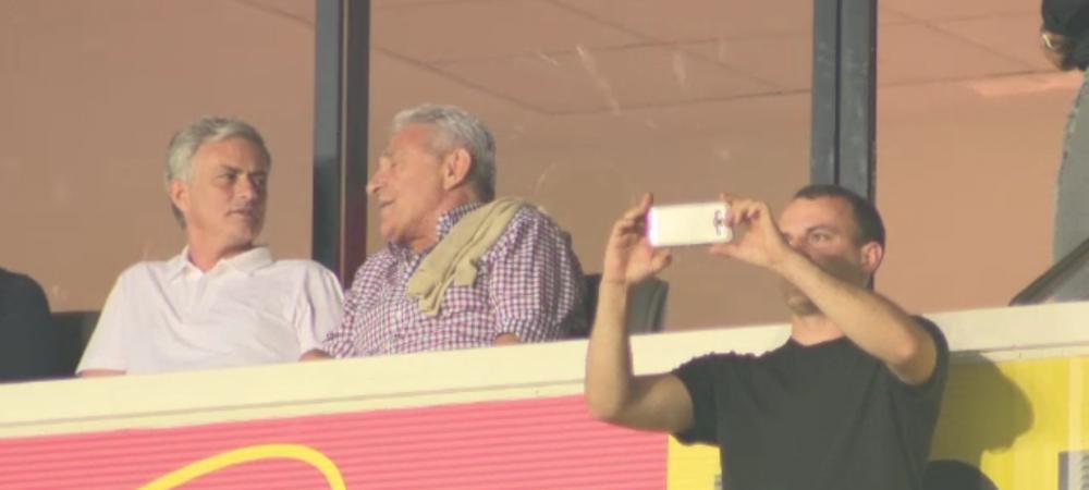 COADA la selfie-uri cu Mourinho! Ce s-a intamplat in fata tribunei unde a stat
