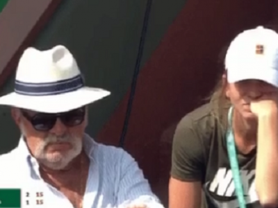 NOT IMPRESSED! :)) Cum a fost surprinsa Simona Halep in tribune la meciul lui Rafa Nadal