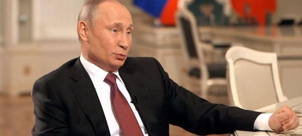 """Selectionerul Rusiei A INGHETAT cand s-a uitat la telefon: """"Ma scuzati, e seful statului!"""" Putin l-a sunat in mijlocul conferintei de presa"""