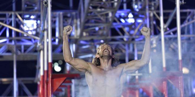 Primul american care a trecut probele la Ninja Warrior ne spune cum a castigat premiul de un milion de dolari