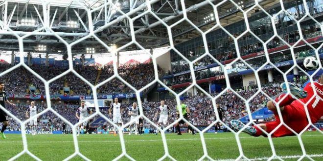 FOTO Messi nu a scapat! Cea mai tare gluma aparuta pe internet dupa ce a ratat penalty-ul cu Islanda