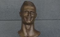 Au inlocuit IN SECRET celebra statuie a lui Ronaldo din aeroport! :)) Cum arata acum