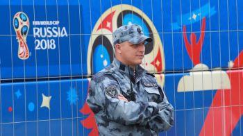 INCREDIBIL | Doar fanii englezi puteau face asa ceva! Rusii i-au dat jos din teren dupa ce un suporter a incercat SA FURE PISTOLUL unui politist