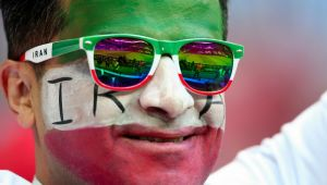 """""""Oh, Doamne Dumnezeule!"""" Imaginea Mondialului a avut loc in timpul partidei Iran - Spania! Cum a fost surprins un fan in tribune"""