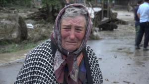 Reactia sfasietoare a unei femei din Alba cand si-a vazut casa luata de ape
