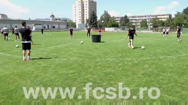 """""""Merge pe 50 de flotari?"""" Budescu a dat gol DIN PARCARE pentru FCSB! Cum l-a pedepsit pe un pusti de la echipa a doua! VIDEO"""