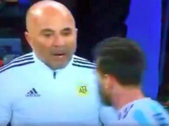 """Il bag pe Kun?!"" Dialogul incredibil dintre Sampaoli si Messi, surprins de camere la Argentina - Nigeria"