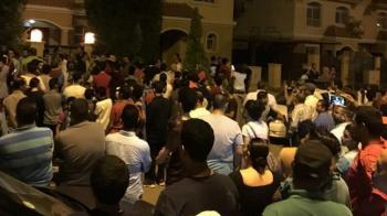 """Adresa lui Mo Salah a ajuns pe net, sute de oameni au venit la poarta starului egiptean! Cum a reactionat Salah: """"Nu-l meritam!"""""""