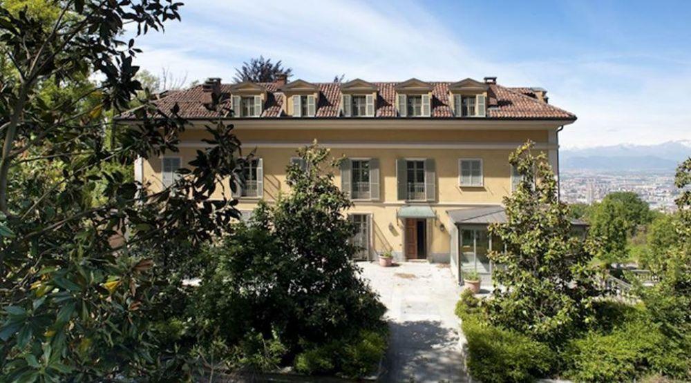 FOTO FABULOS: Cristiano Ronaldo si-a rezervat un palat la Torino! Chiria costa 40.000 euro PE ZI sau 600.000 euro PE AN