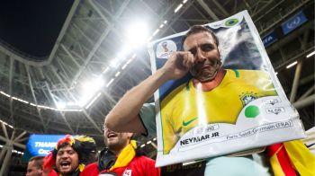 IMAGINEA MONDIALULUI | Cum au fost surprinsi doi suporter la finalul meciului Brazilia - Belgia! Nu sustineau niciuna dintre echipe