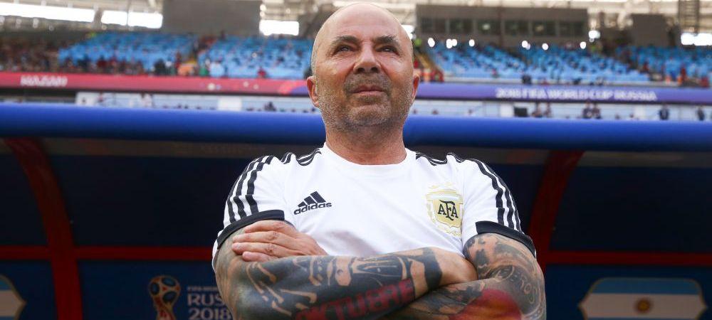 OUT dupa dezastrul de la Mondial! Sampaoli nu mai e antrenorul Argentinei, dar a primit imediat 3 oferte! O nationala care a prins optimile Mondialului il vrea