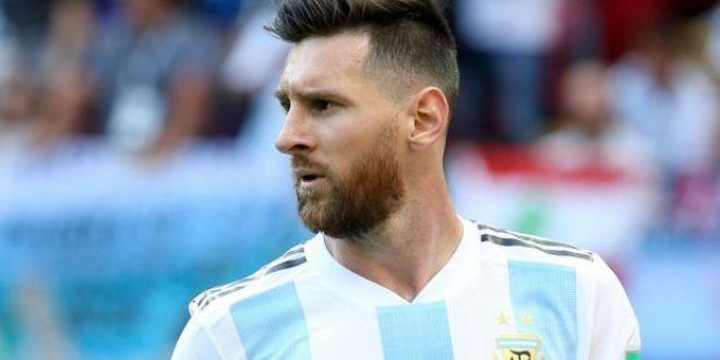 Incredibil! Cum arata telefonul lui Lionel Messi! Are doua ecrane