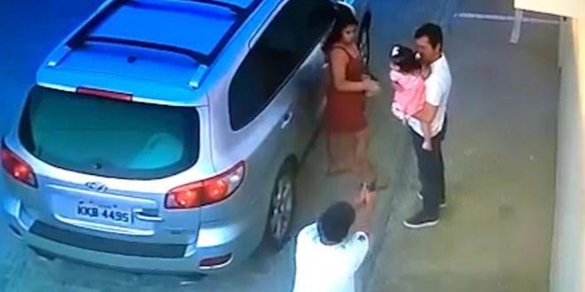 VIDEO Crima teribila in Brazilia: executat in fata sotiei si a fiicei de un an jumatate