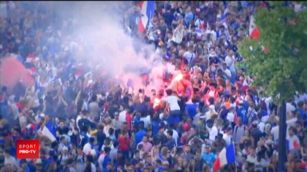 Sarbatoare de vis la Paris! Nationala Frantei, asteptata in strada de sute de mii de fani