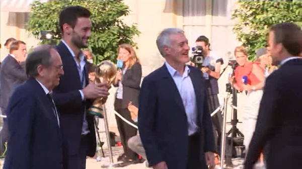 Pogba i-a lasat MASCA pe francezi! Gest INCREDIBIL fata de sotia lui Macron la parada castigarii CM! VIDEO