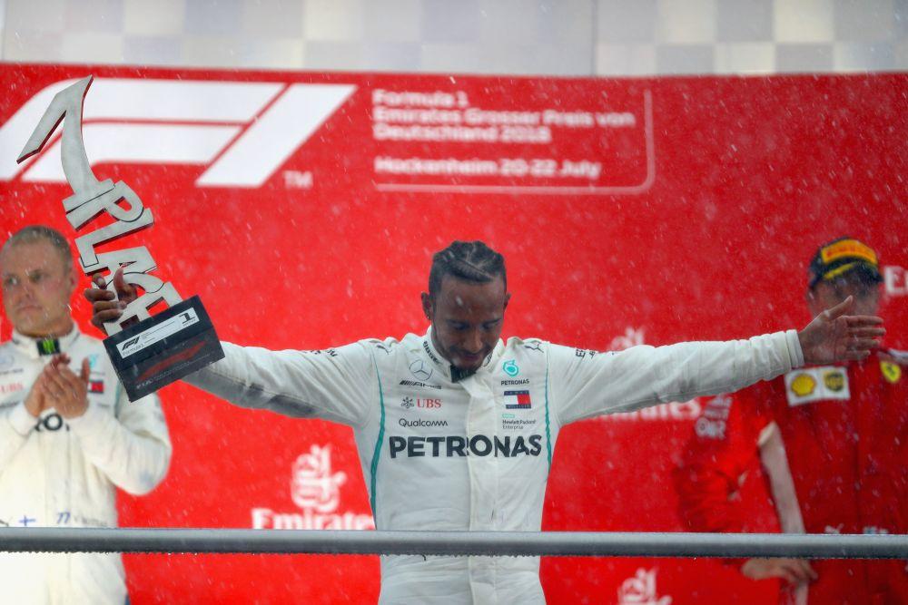 VICTORIE pentru Hamilton in Marele Premiu al Germaniei! Vettel a iesit in decor cand conducea cursa