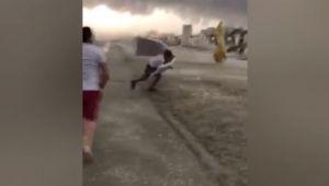 Mamaia, spulberata de o furtuna violenta. Imagini infioratoare surprinse de turisti