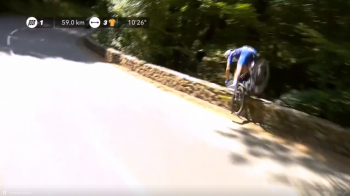 Imagini SOCANTE in Turul Frantei! Se afla la conducerea cursei cand cazut in prapastie | VIDEO