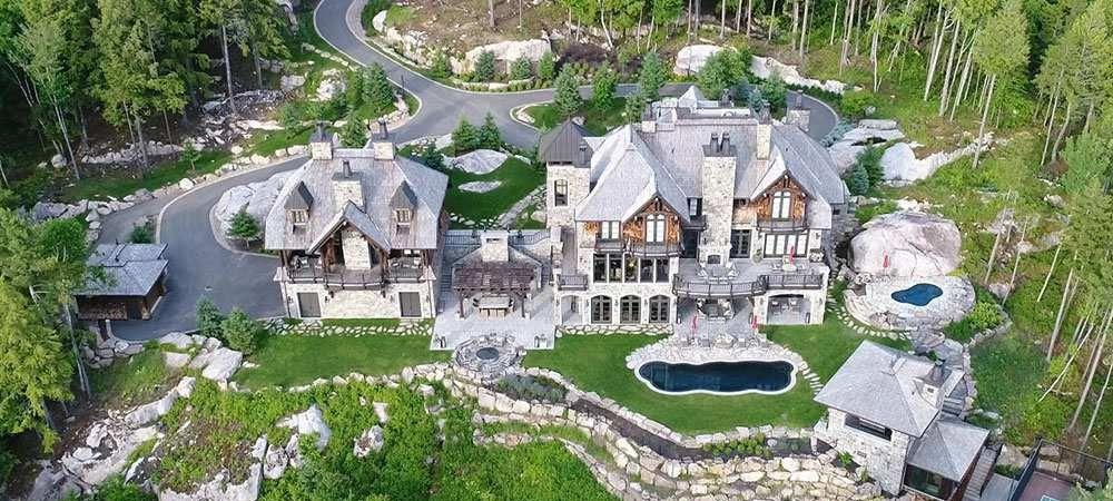 Cea mai frumoasa casa din tara a fost scoasa la vanzare pentru 22 milioane $! O legenda a sportului o detine