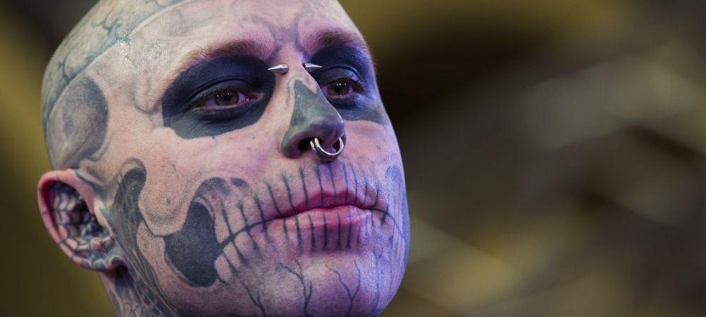 """Cel mai tatuat model din lume, gasit mort la doar 32 de ani. Prima impoteza a anchetatorilor in cazul mortii lui """"Zombie Boy"""""""