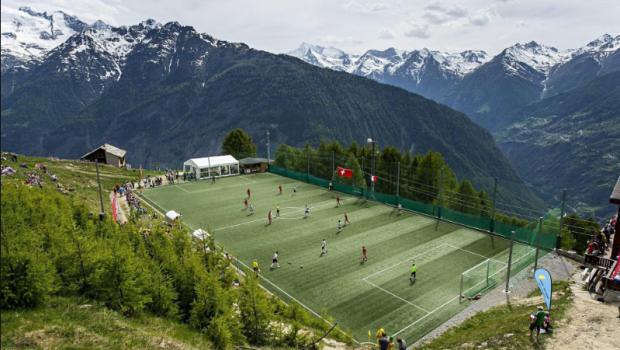 Galerie FOTO: Cele mai neobisnuite stadioane din lume!