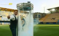 Cea mai tare PREZENTARE de jucator! MAGICIANUL l-a facut sa apara pe stadion! VIDEO