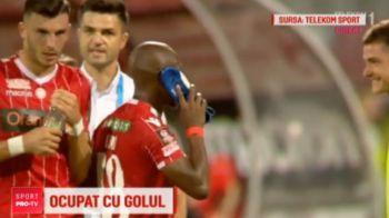 """Alo, aici Dinamo! Mahlangu a oferit faza etapei in Liga 1! Reactia geniala a lui Bratu: """"Pe Nelson Mandela, de unde sa stiu pe cine a sunat?"""" :)"""