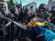 Jandarmeria Romana, lamuriri privind gazele lacrimogene folosite vineri seara