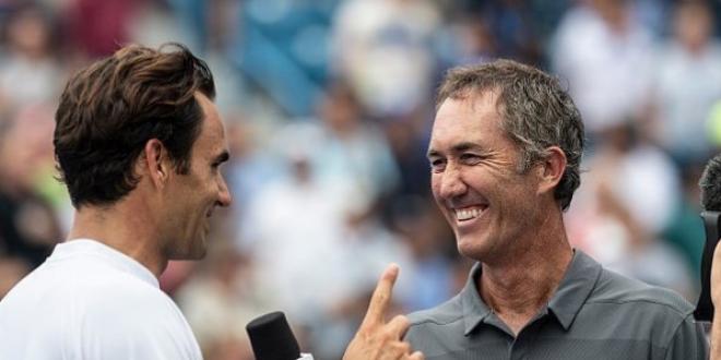 Schimb de replici genial intre Roger Federer si Darren Cahill!  Du-te la vestiar pana nu intri in si mai multe probleme